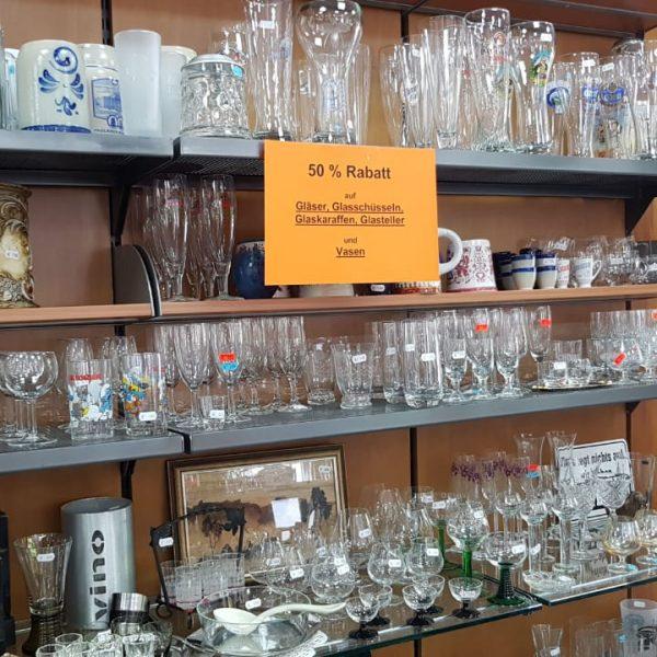 Bilder von gebrauchten Gläsern die zum Verkauf stehen